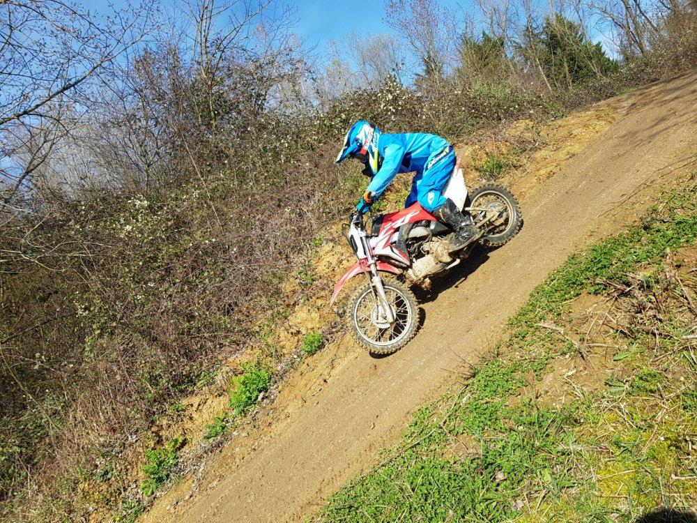 Stage motocross pour enfants dans le Beaujolais - Lyon