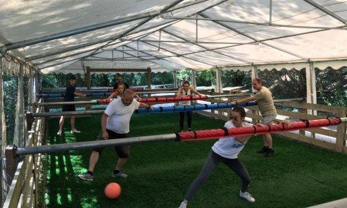 Séminaire sportif Baby Foot Humain Villefranche sur sàone au nord de Lyon